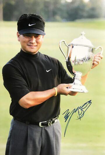 Autographed KJ Choi Photograph, South Korea Golf Icon - Firma Stella