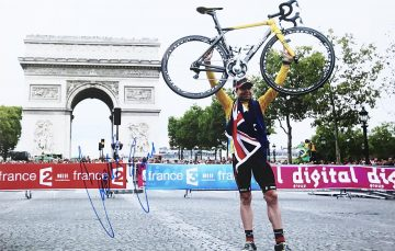Signed Cadel Evans Poster Photo - Tour de France Winner