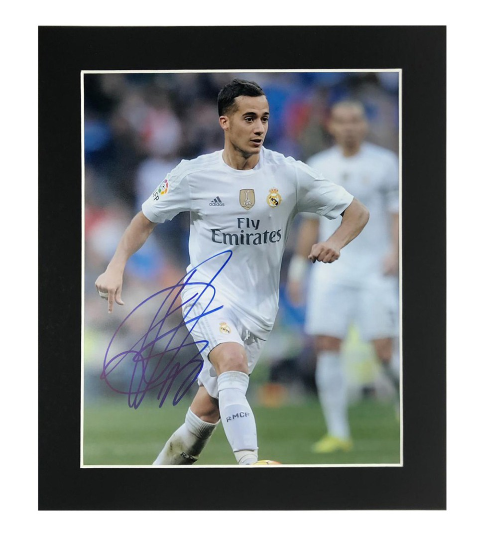 Signed Autograph Moura Lucas Psg: Signed Lucas Vasquez Photo Display