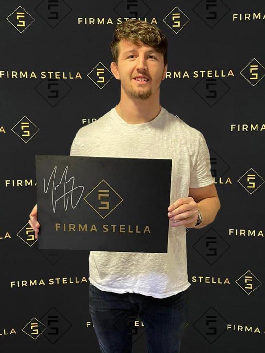 Tom Curry Signed Memorabilia